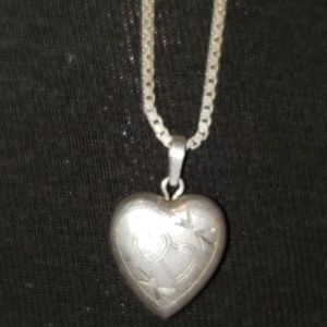 Jewelry - Vintage sterling silver locket with chain
